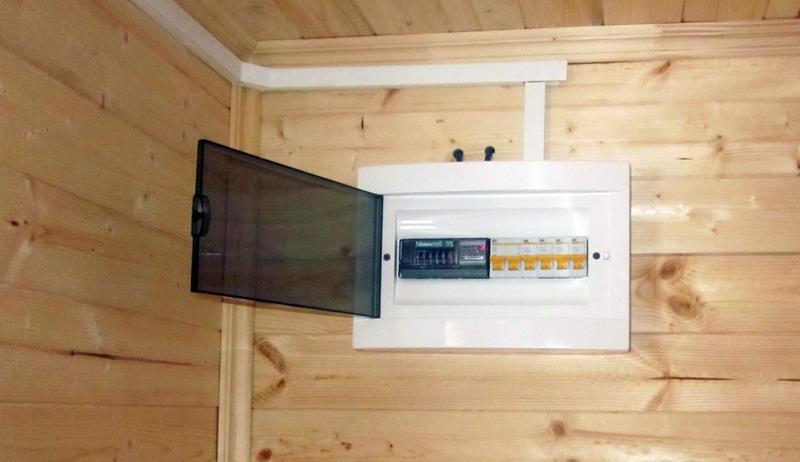 Как провести электричество в дачном домике своими руками
